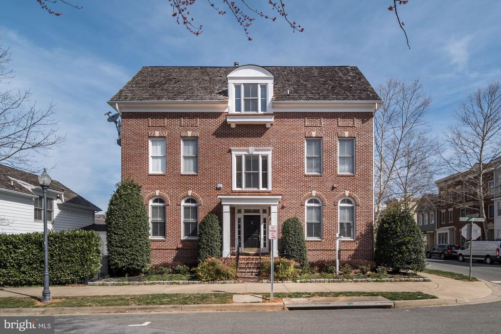 327  INSPIRATION LANE, one of homes for sale in Gaithersburg