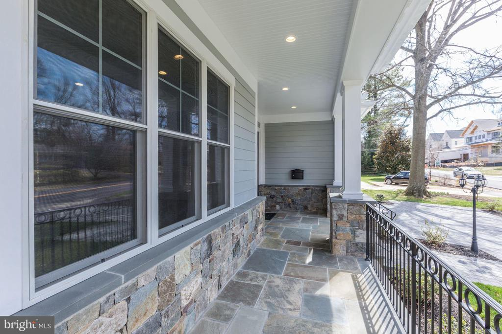 Covered Front Porch - 6834 CHURCHILL RD, MCLEAN