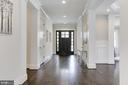 Foyer / Reception - 6834 CHURCHILL RD, MCLEAN