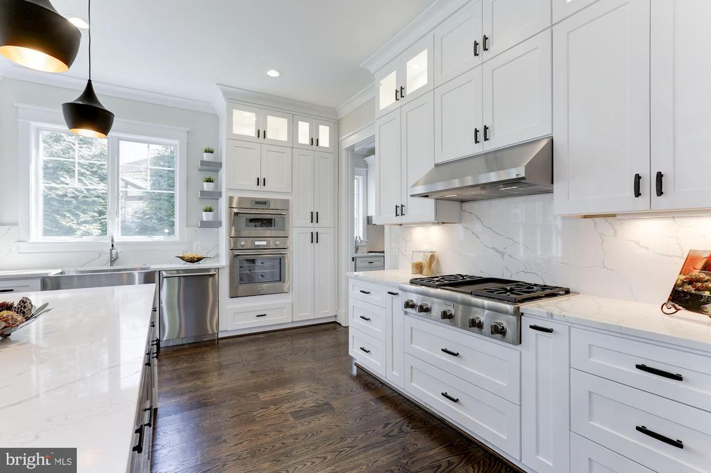 Thermador Stainless Steel Appliance Suite - 6834 CHURCHILL RD, MCLEAN