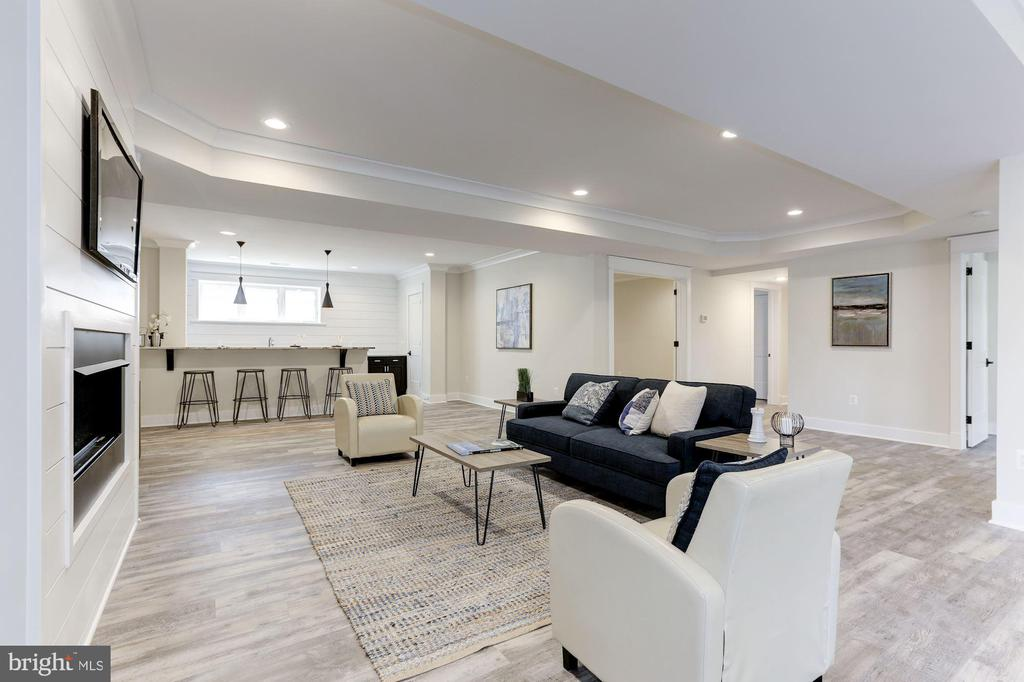 Recreation Room / Lounge - 6834 CHURCHILL RD, MCLEAN