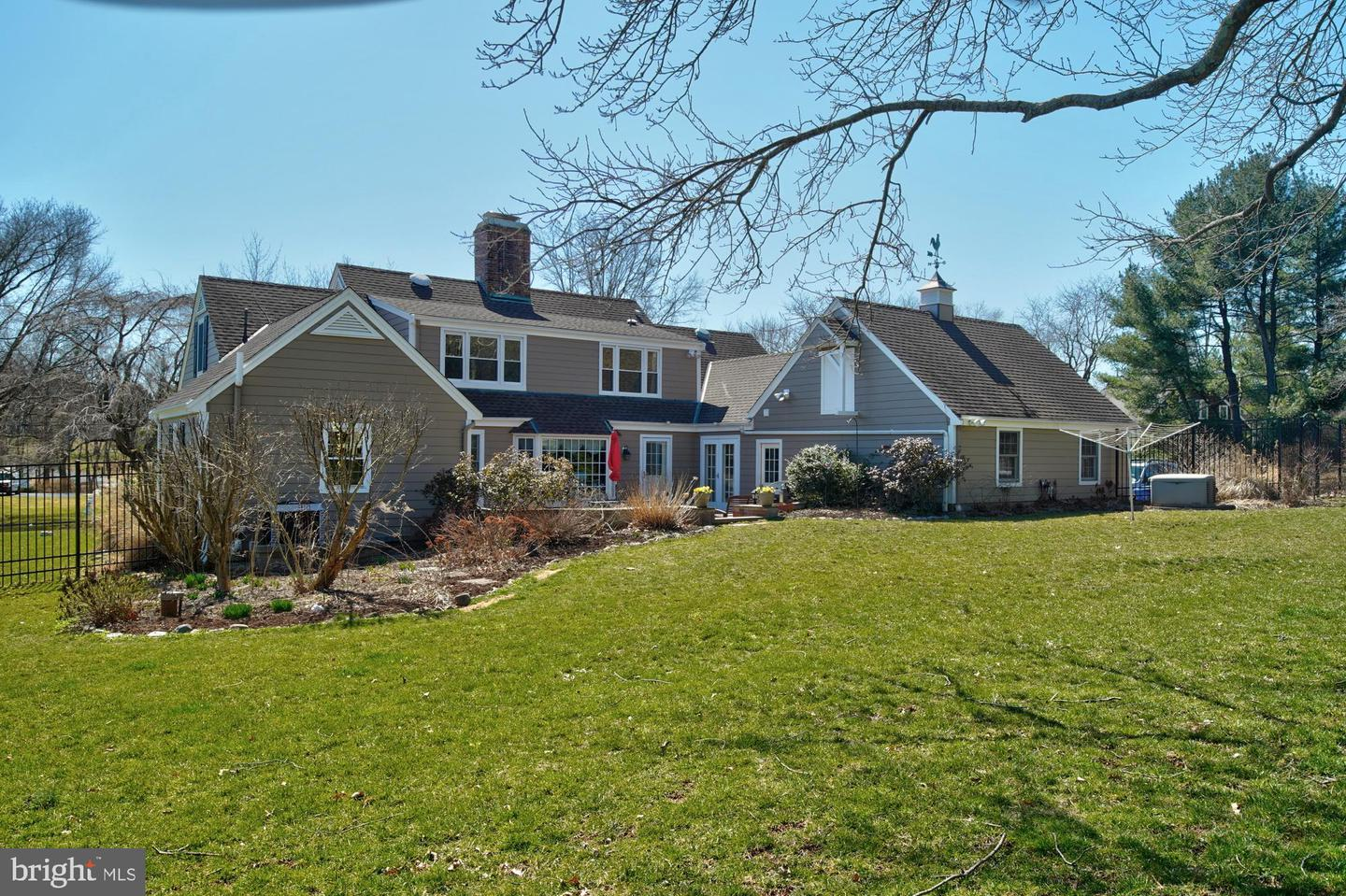 Single Family Home for Sale at 42 W SHORE Drive Pennington, New Jersey 08534 United StatesMunicipality: Hopewell Township