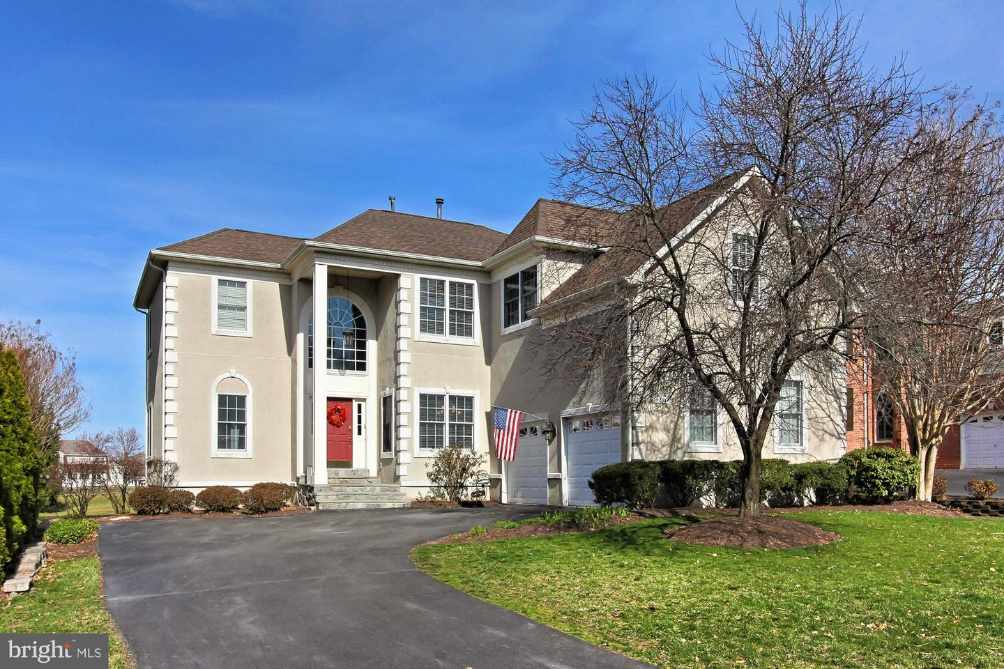 Single Family for Sale at 19817 Bethpage Ct Ashburn, Virginia 20147 United States