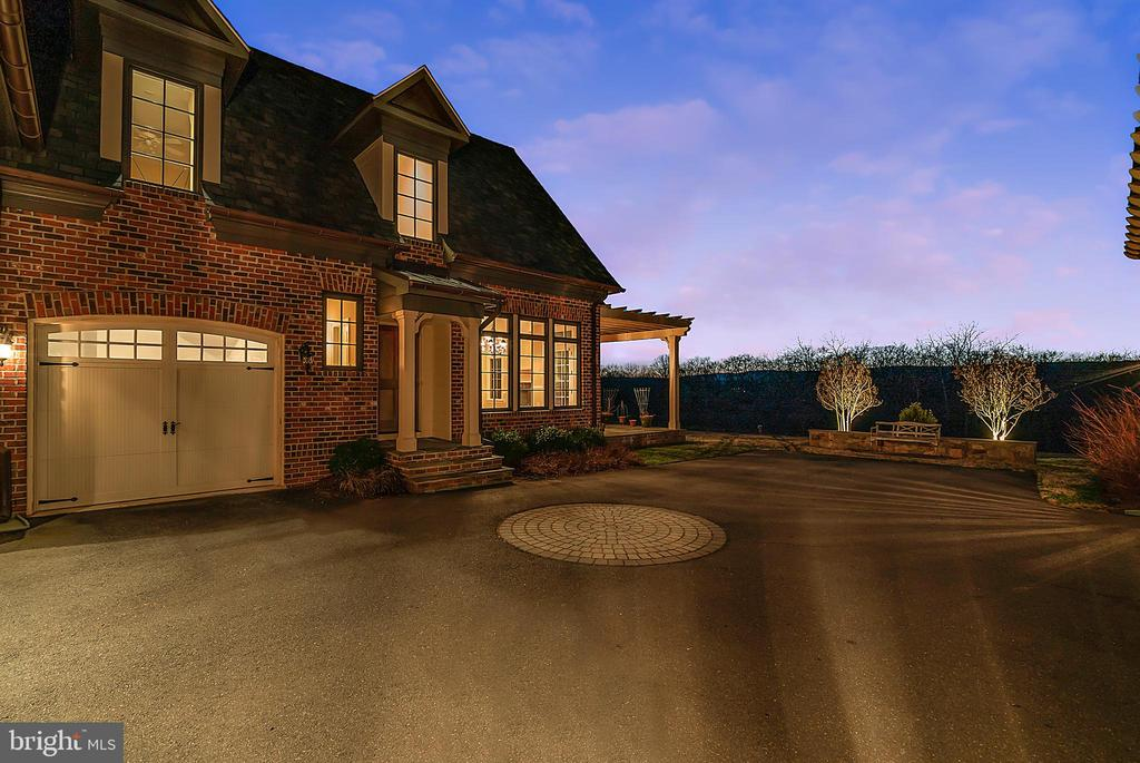 Exterior of Carriage House and view - 21051 ST LOUIS RD, MIDDLEBURG