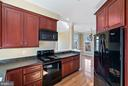 Carriage House Kitchen - 21051 ST LOUIS RD, MIDDLEBURG