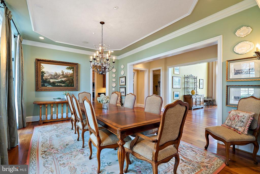 Dining Room easily seats 12 - 21051 ST LOUIS RD, MIDDLEBURG