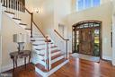 Gorgeous front door with transom and sidelights - 21051 ST LOUIS RD, MIDDLEBURG