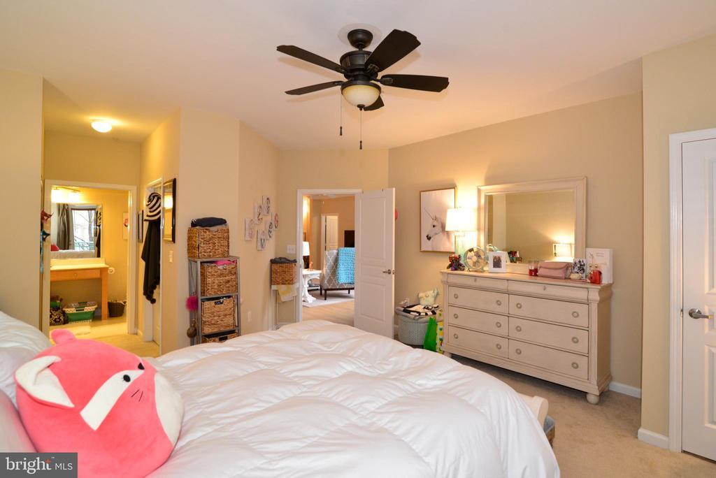 Master bedroom - 12001 MARKET ST #214, RESTON