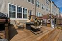 Elevated Deck in Courtyard Style Backyard - 861 BASSWOOD DR, STAFFORD