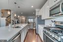 Pendant and Recessed Lighting - 861 BASSWOOD DR, STAFFORD
