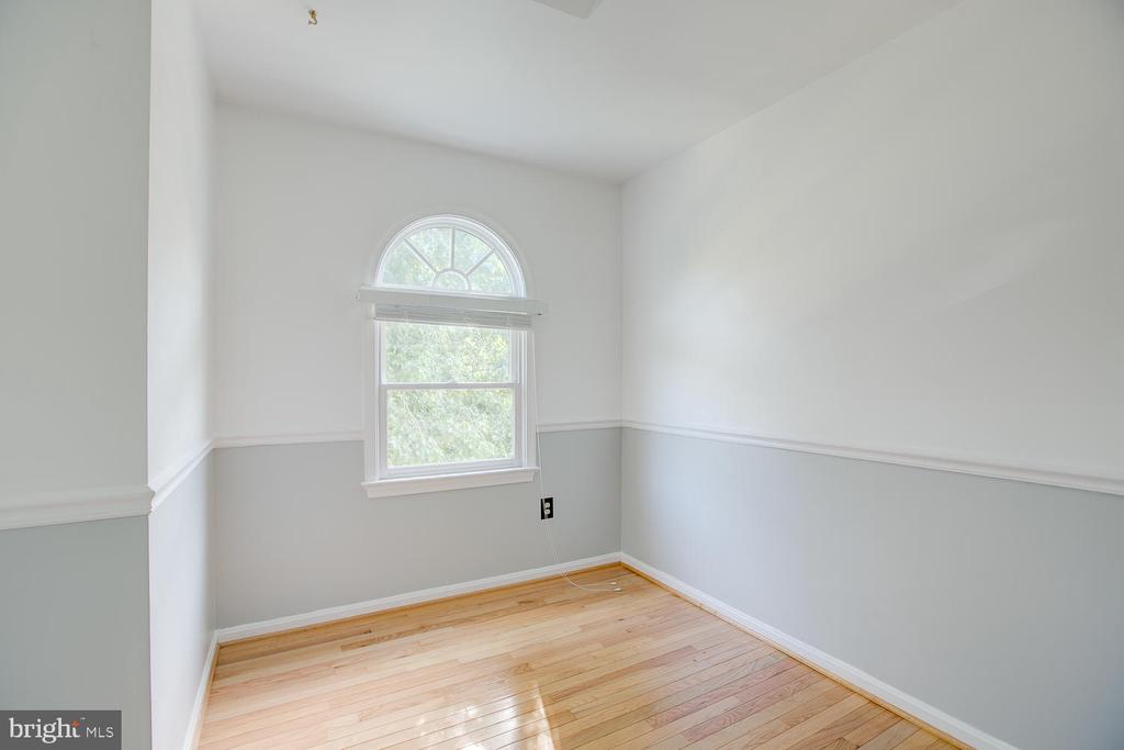 Sitting area in master bedroom! - 23 COOKSON DR, STAFFORD
