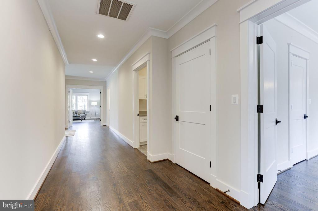Upper Level Hallway - 6834 CHURCHILL RD, MCLEAN