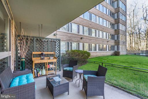 4101 CATHEDRAL AVE NW #107