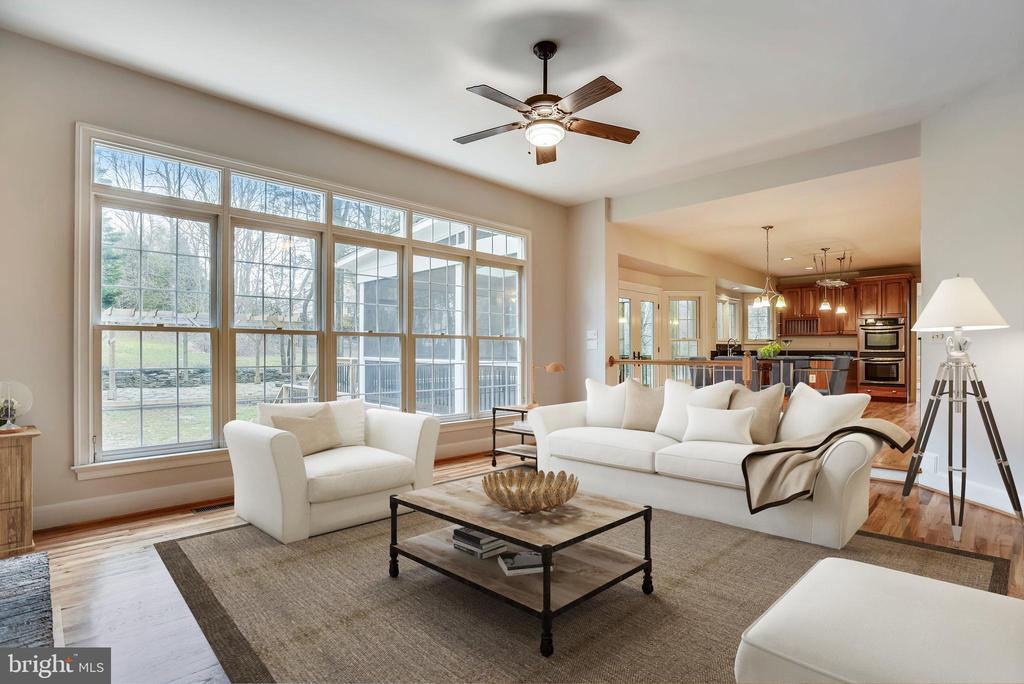 Perfectly designed for relaxation. - 3103 PINE OAKS WAY, OAK HILL
