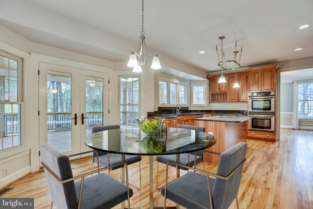 Kitchen opens onto screened porch! - 3103 PINE OAKS WAY, OAK HILL