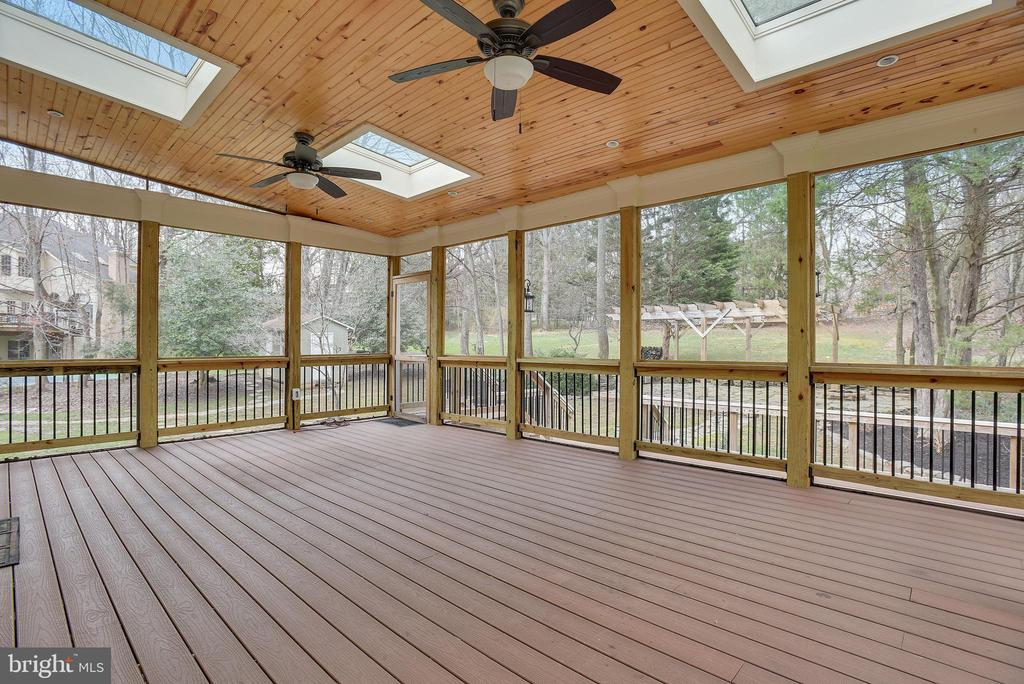 Screened porch views - 3103 PINE OAKS WAY, OAK HILL