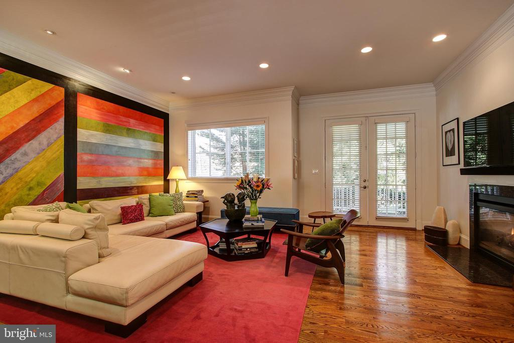 Family Room - 7612 EXETER RD, BETHESDA