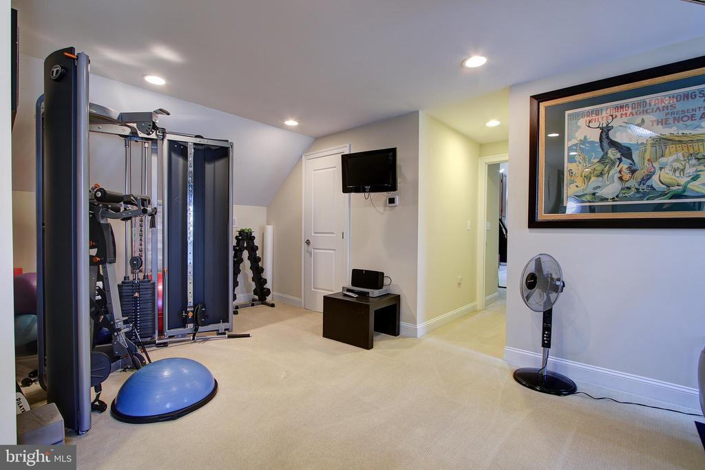 Workout Area - 7612 EXETER RD, BETHESDA
