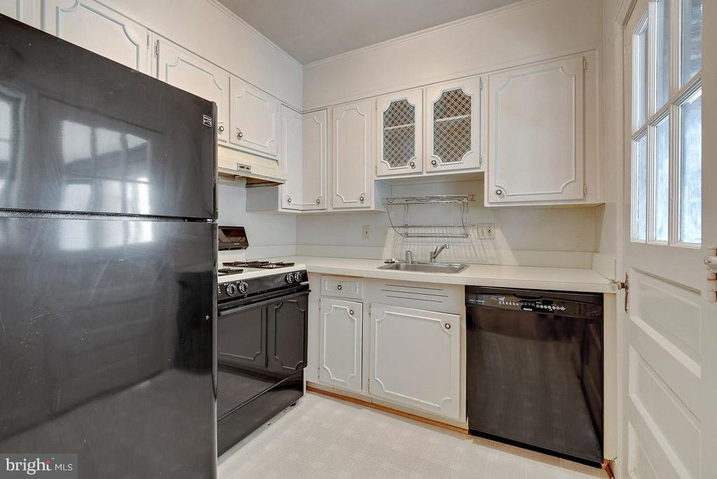 Kitchen - 4910 25TH ST N, ARLINGTON