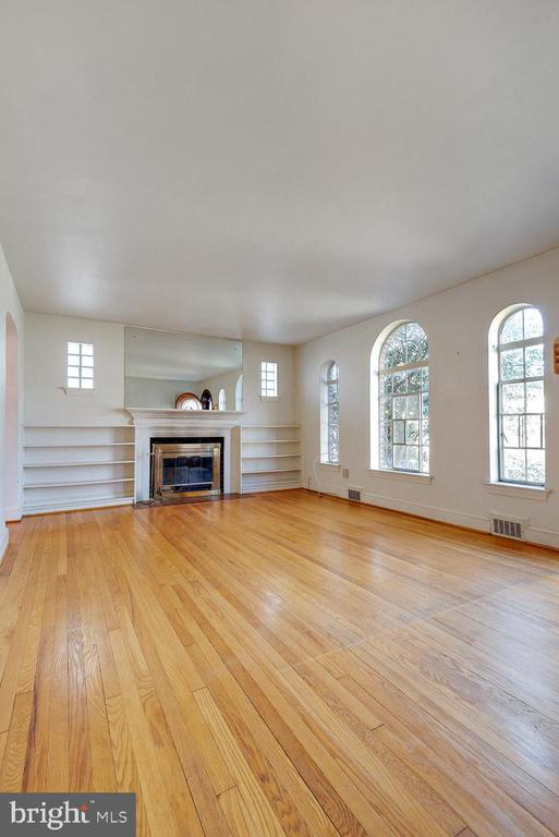Living Room - 4910 25TH ST N, ARLINGTON