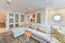 Bright and comfortable family room - 217 S FAIRFAX ST, ALEXANDRIA