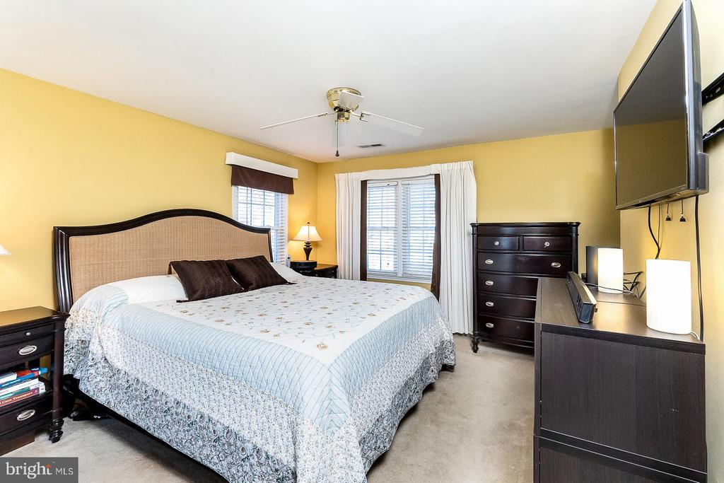Master suite - 9703 TINY CT, BURKE