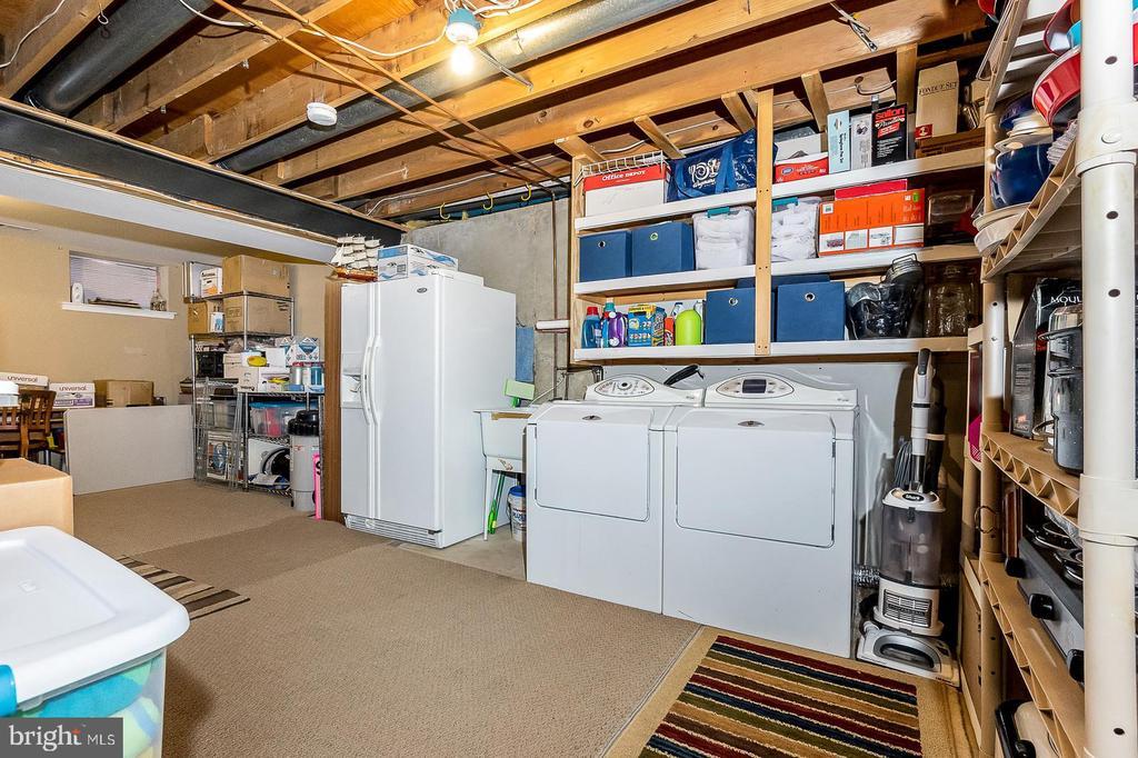 Plenty of room in storage & laundry area - 9703 TINY CT, BURKE