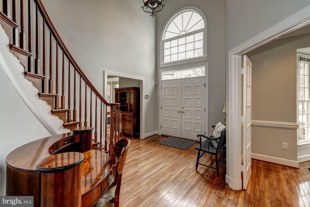 gleaming hardwood floors - 12 CLIMBING ROSE CT, ROCKVILLE