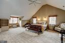 stunning master suite - 12 CLIMBING ROSE CT, ROCKVILLE