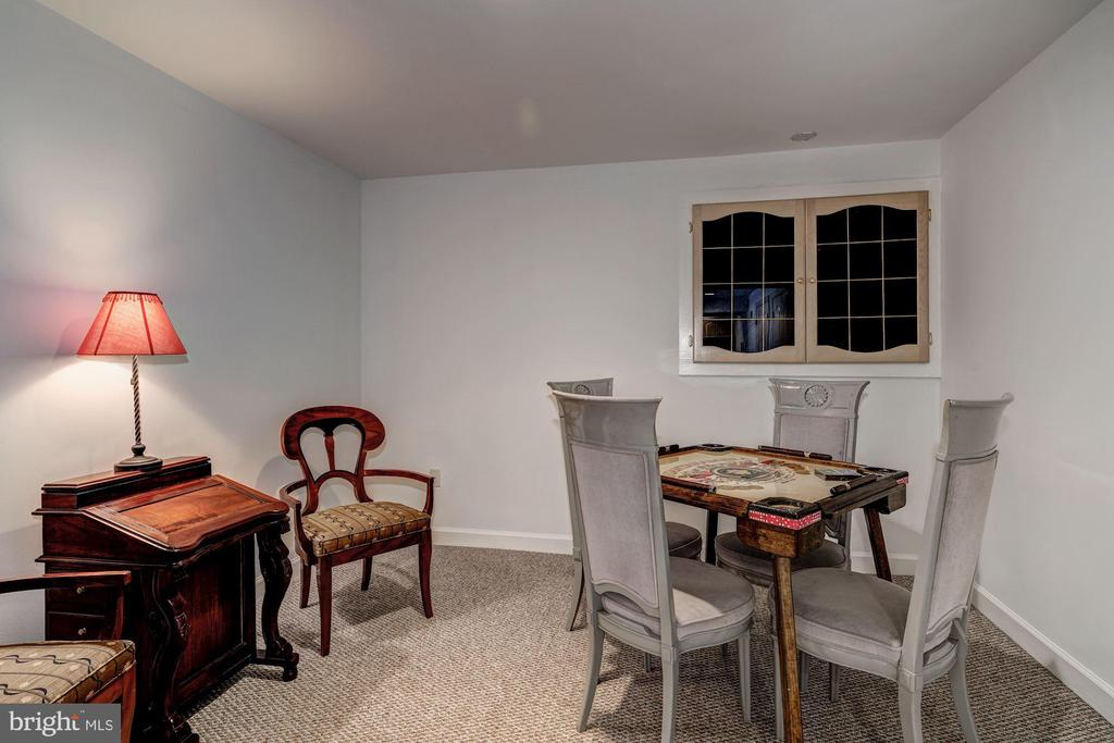 office/game room - 12 CLIMBING ROSE CT, ROCKVILLE