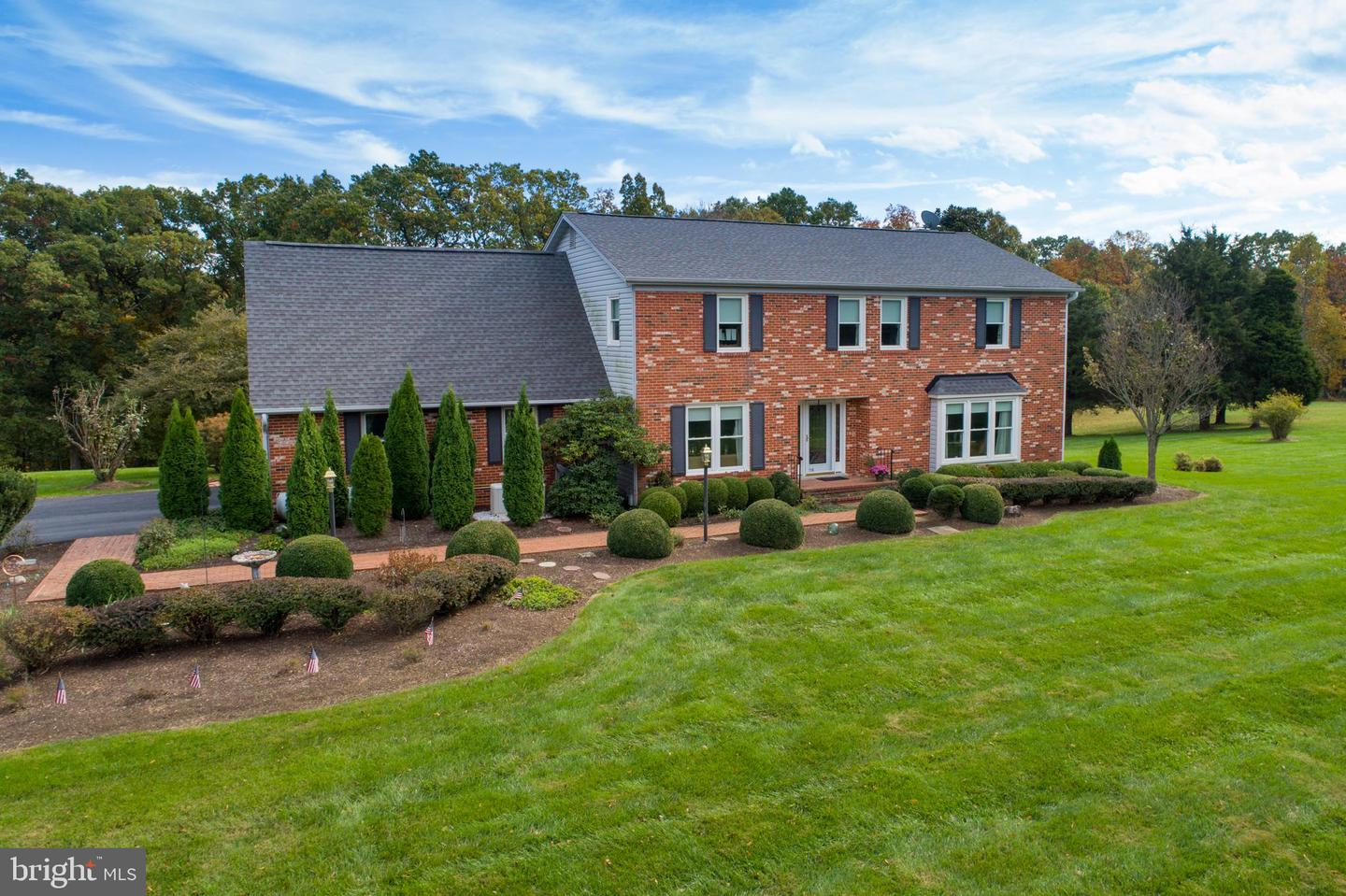 Single Family for Sale at 21960 Oatlands Rd Aldie, Virginia 20105 United States