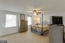Large master bedroom with ceiling fan - 218 FALLSWAY LN, STAFFORD