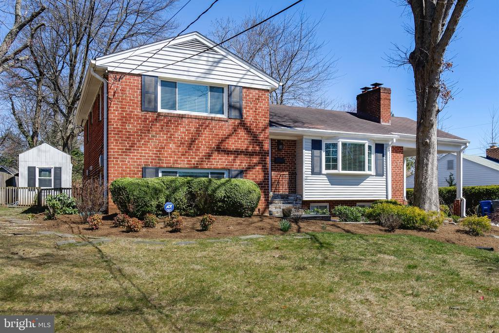 Sold brick, 4 level split - 2307 BARBOUR RD, FALLS CHURCH
