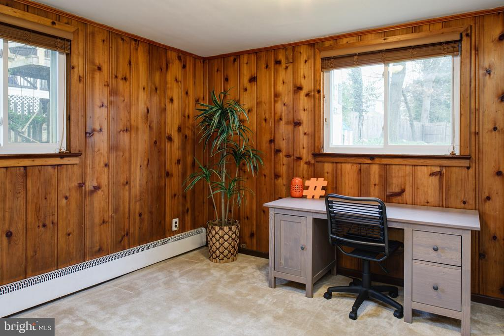 Bedroom #2 - makes a great  office! - 2307 BARBOUR RD, FALLS CHURCH