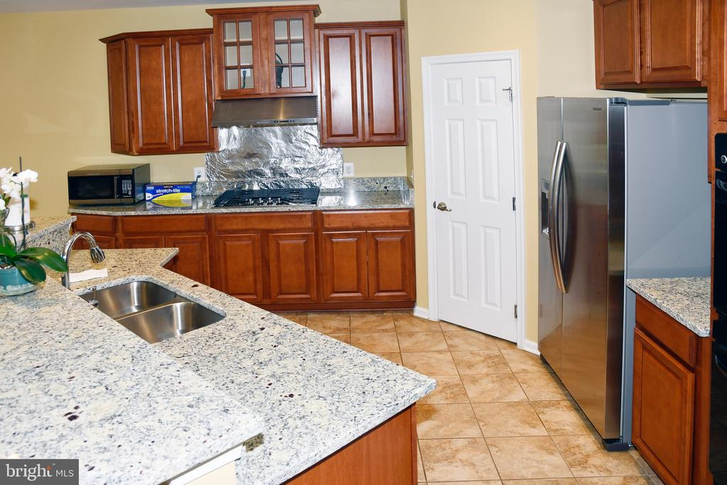 KITCHEN - 3704 RUSHWORTH ST, FREDERICK
