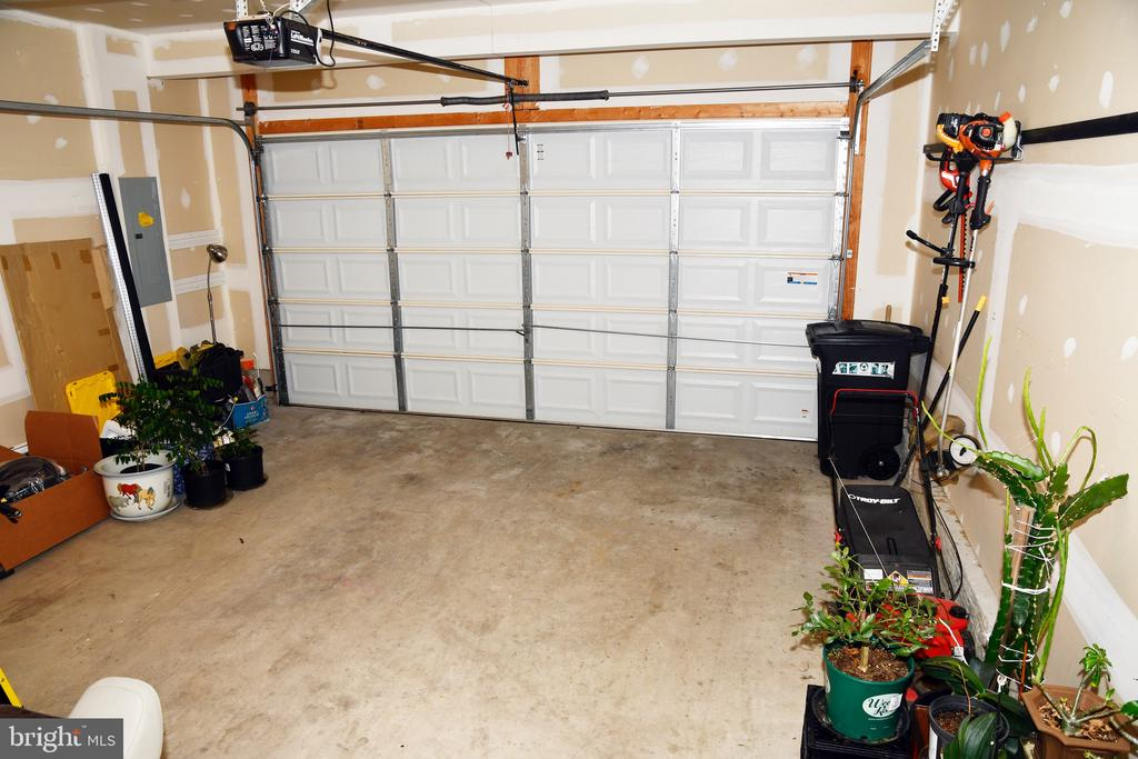 GARAGE - 3704 RUSHWORTH ST, FREDERICK