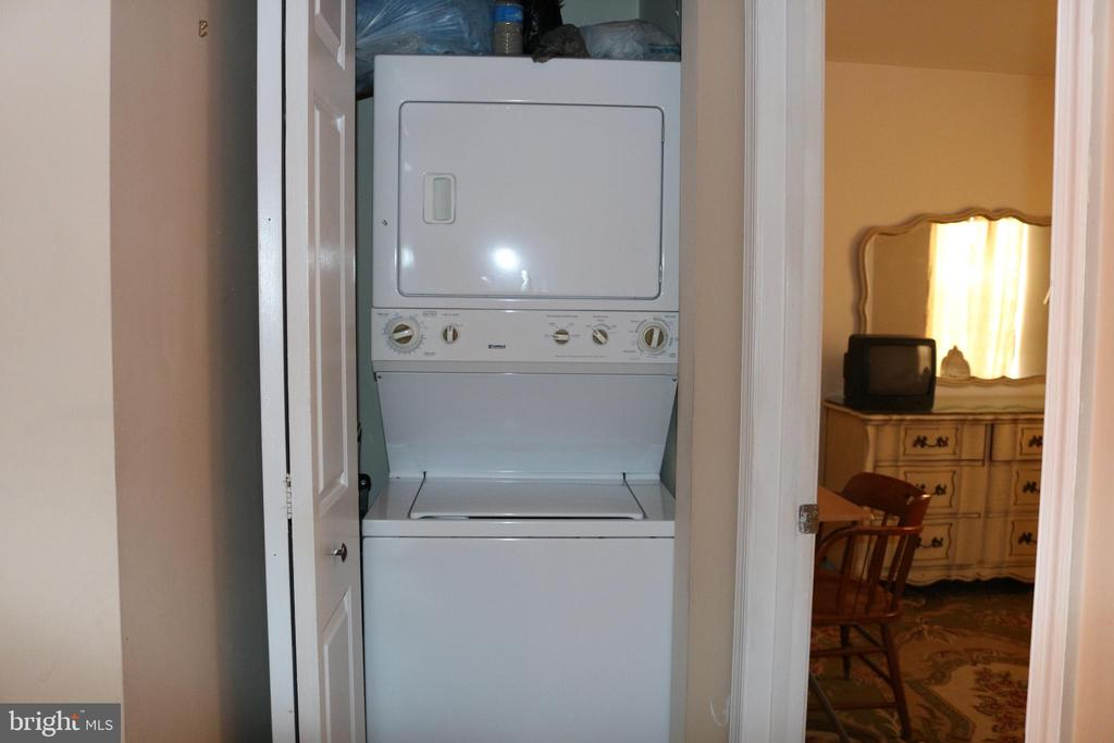 Washer/ Dryer on bedroom level! :) - 434 TERRY CT #B3, FREDERICK