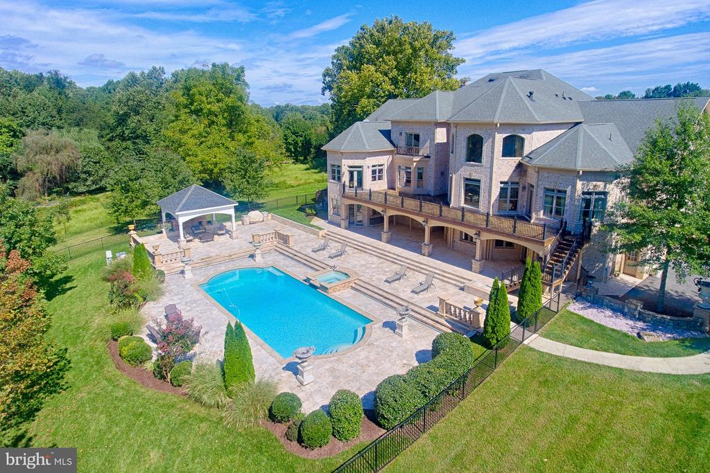 - 1532 CROWELL RD, VIENNA