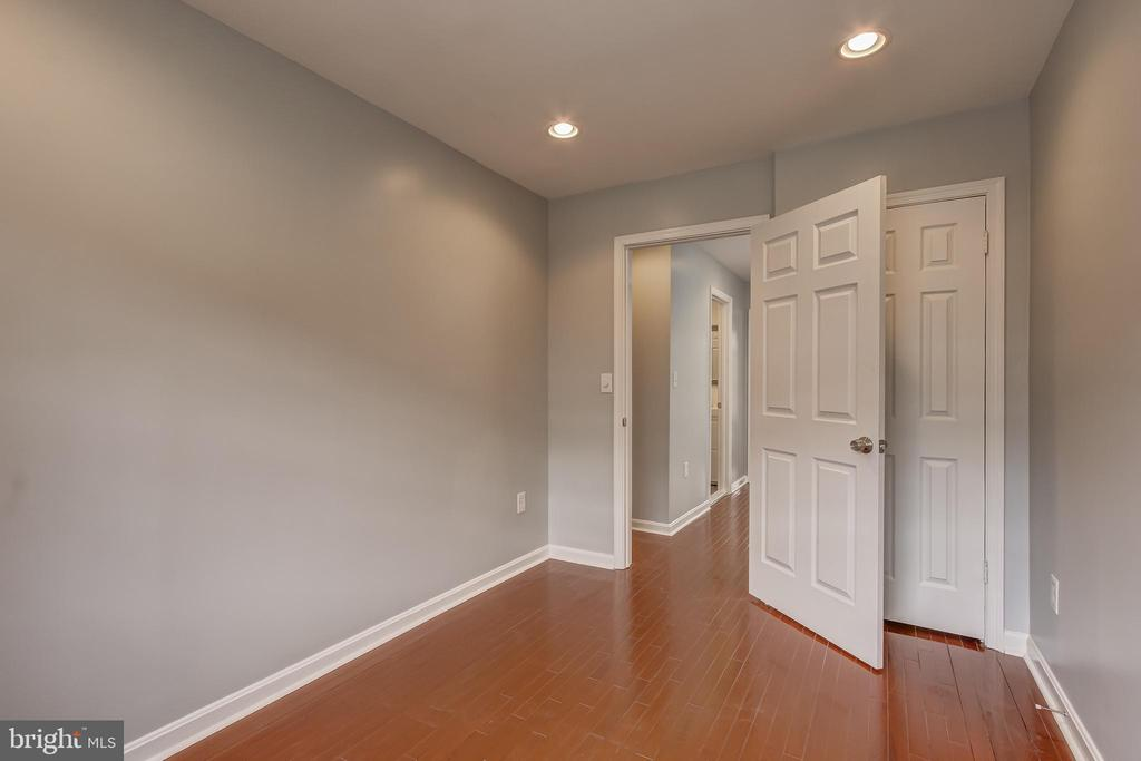 Closet & Recessed Lighting in Bedroom - 1408 CARROLLSBURG PL SW, WASHINGTON