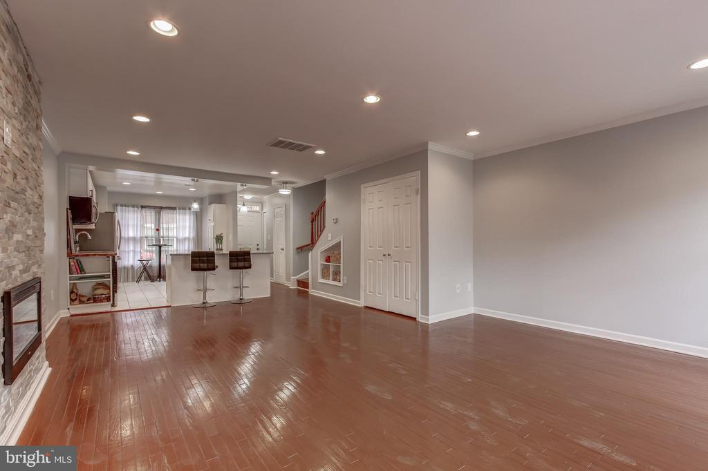Hardwood Floors Throughout - 1408 CARROLLSBURG PL SW, WASHINGTON