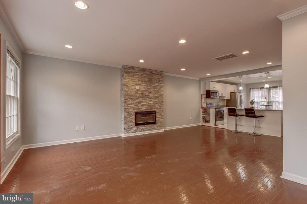 Floor to Ceiling Stone Fireplace - 1408 CARROLLSBURG PL SW, WASHINGTON