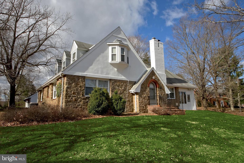 Maison unifamiliale pour l Vente à 167 PLEASANT VALLEY Road Titusville, New Jersey 08560 États-UnisDans/Autour: Hopewell Township