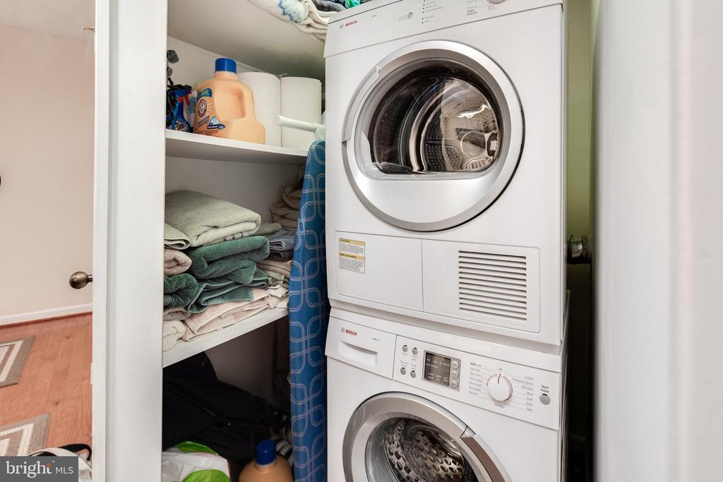 Laundry Room with Front Loading Appliances - 1600 N OAK ST #1718, ARLINGTON