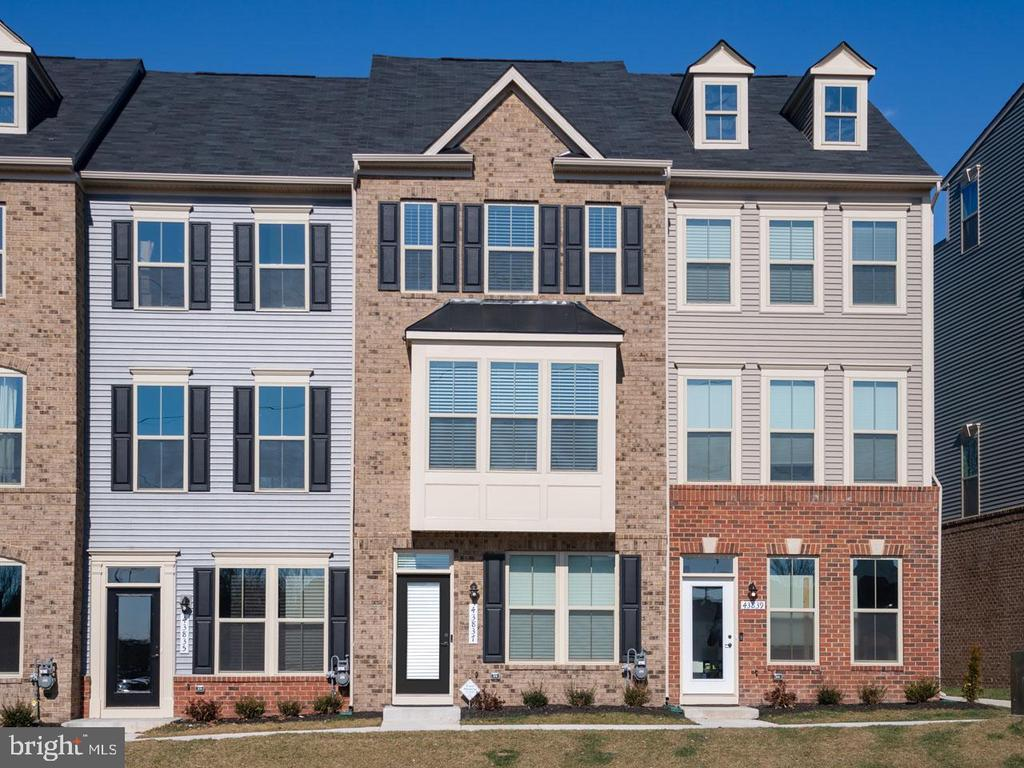 43837  STUBBLE CORNER SQUARE, Ashburn, Virginia