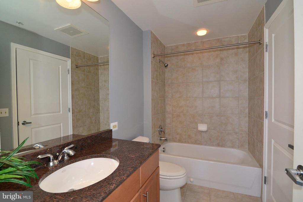 Second bathroom - 11760 SUNRISE VALLEY DR #1014, RESTON