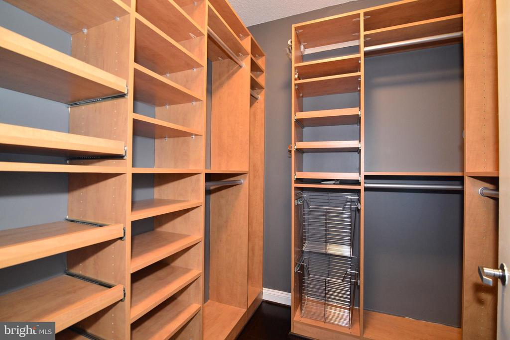 Master bedroom closet - 11760 SUNRISE VALLEY DR #1014, RESTON