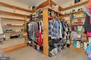 Large walk in closet - 94 CANTERBURY DR, STAFFORD