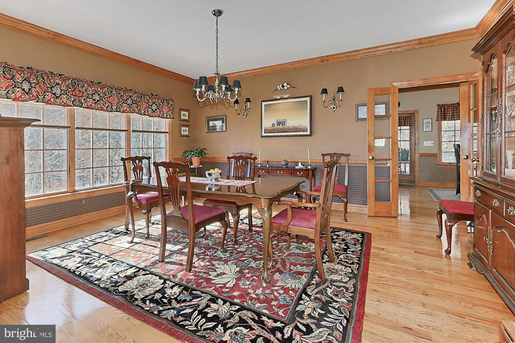 Separate Formal Dining Room - 94 CANTERBURY DR, STAFFORD