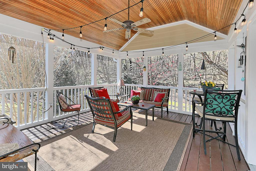Screened Porch - 94 CANTERBURY DR, STAFFORD