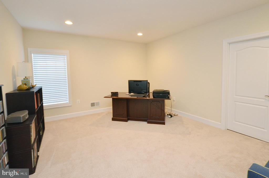 Bedroom #6 (Lower level). - 13291 APRIL CIR, LOVETTSVILLE
